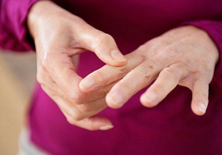 haiget suurte sormede liigestega