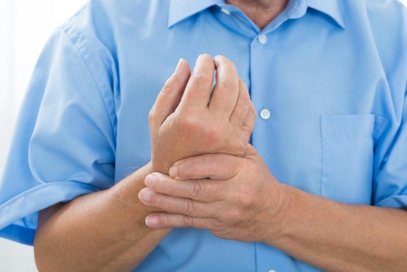 Parast joomist valutab liigesed Artriidi nakkuslikud sormed