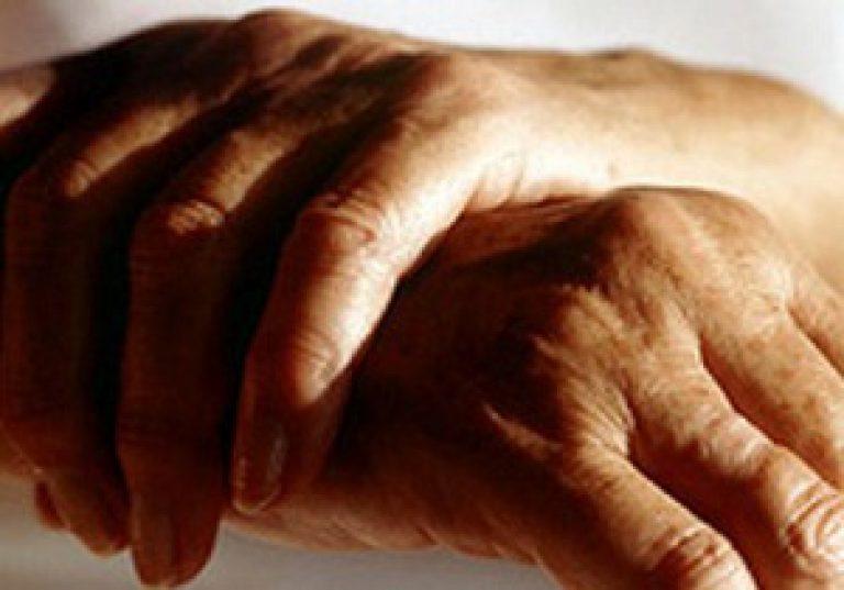 kahjustada sormede liigeseid ja kergesti Julge vaga polve