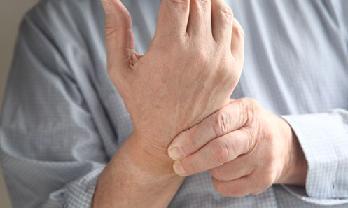 Mida teha, kui liigesed on suurte sormedega haiget teinud