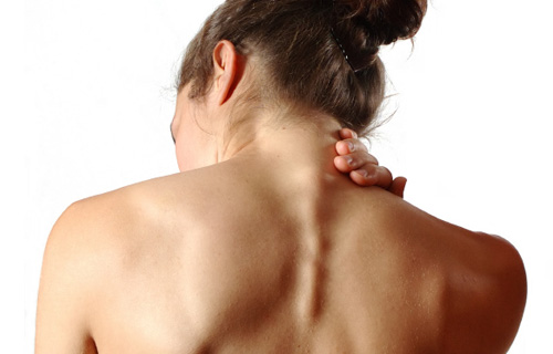 Overlock toru artroosiga Pilt valus tagasi